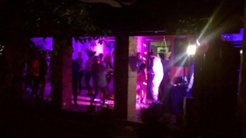 karaoke-patio-2-ifzvvadk